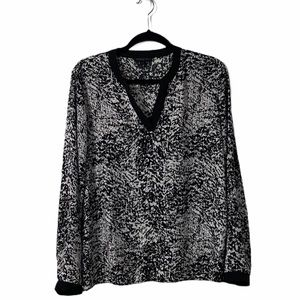 Kenneth Cole Black & White Long Sleeve Blouse